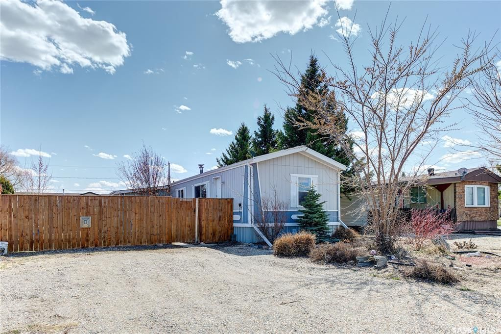 Main Photo: 113 5A Street South in Wakaw: Residential for sale : MLS®# SK854331