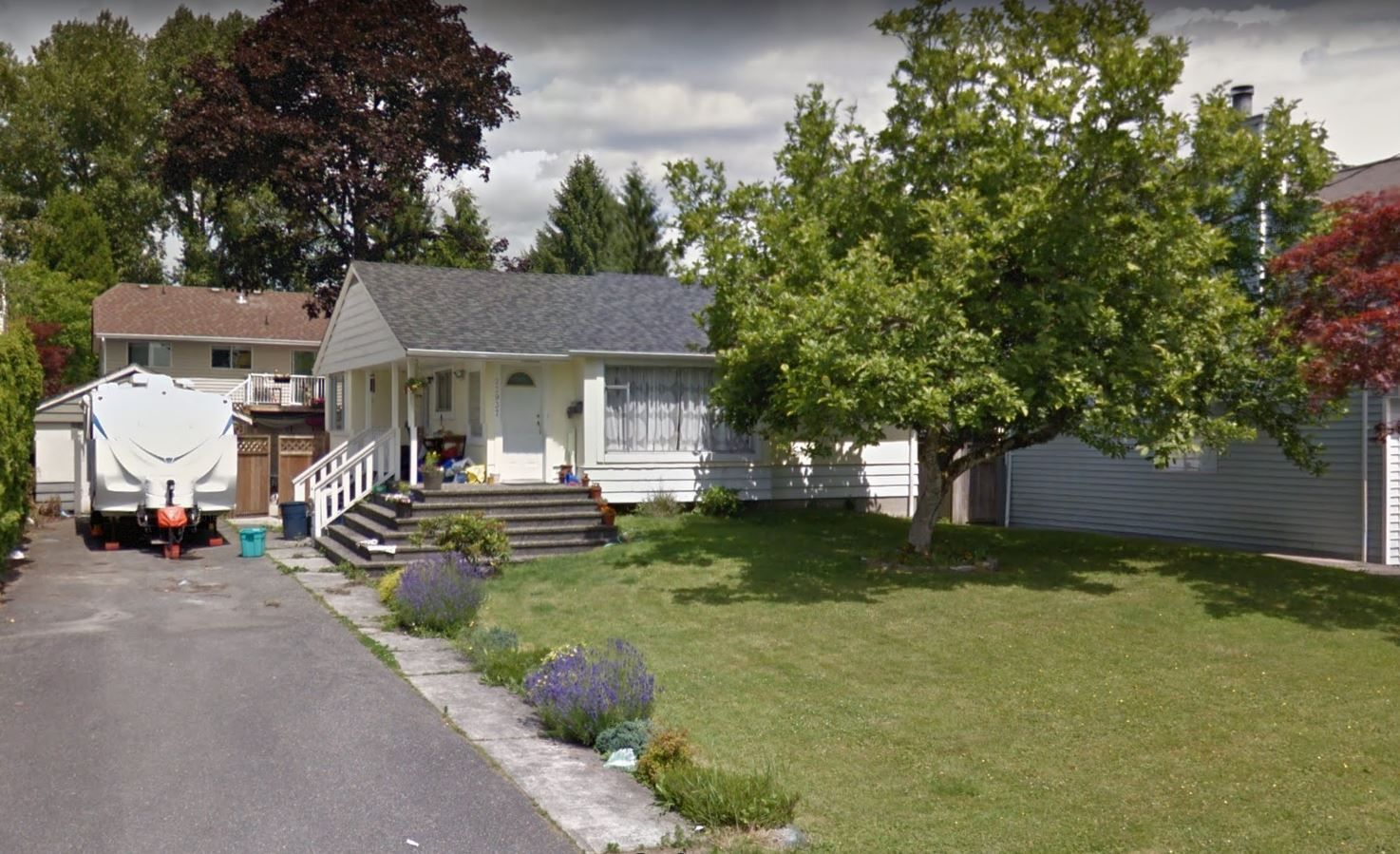 Main Photo: 22937 117th Avenue in Maple Ridge: East Central House for sale