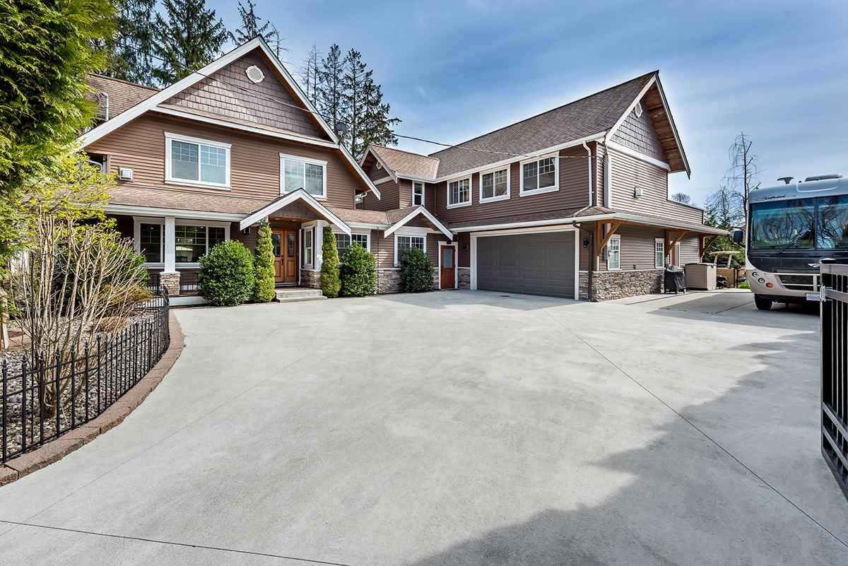 Main Photo: 17364 KENNEDY Road in Pitt Meadows: West Meadows House for sale : MLS®# R2563088