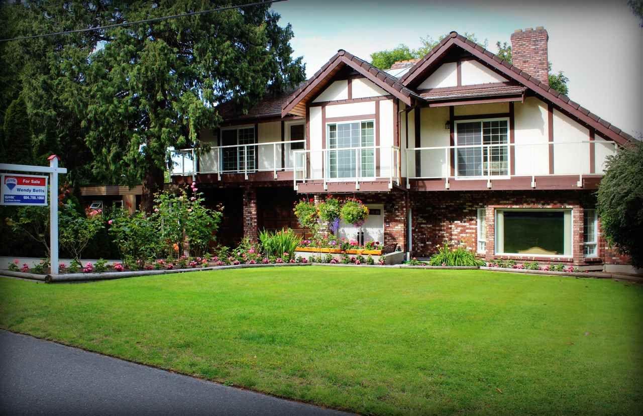 "Main Photo: 946 GALE Drive in Delta: Tsawwassen Central House for sale in ""UPPER TSAWWASSEN"" (Tsawwassen)  : MLS®# R2083136"