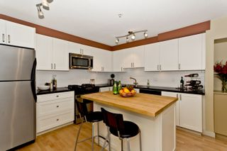 """Photo 5: 3683 W 12TH Avenue in Vancouver: Kitsilano Townhouse for sale in """"Twenty on the Park"""" (Vancouver West)  : MLS®# V909572"""