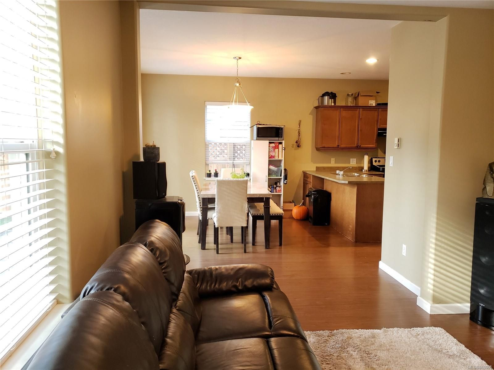 Photo 13: Photos: 105 2787 1st St in Courtenay: CV Courtenay City House for sale (Comox Valley)  : MLS®# 860068