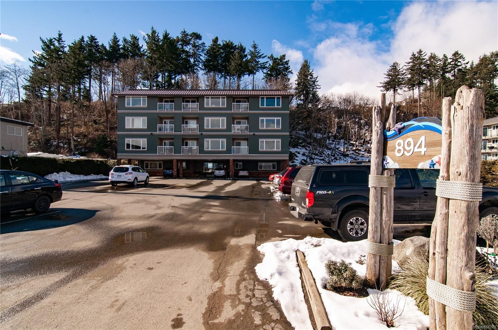 Main Photo: 101 894 S Island Hwy in : CR Campbell River Central Condo for sale (Campbell River)  : MLS®# 866289