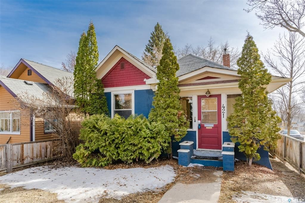Main Photo: 421 26th Street West in Saskatoon: Caswell Hill Residential for sale : MLS®# SK848753
