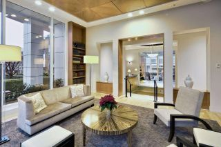 """Photo 3: 909 1500 HORNBY Street in Vancouver: Yaletown Condo for sale in """"888 BEACH"""" (Vancouver West)  : MLS®# R2020455"""