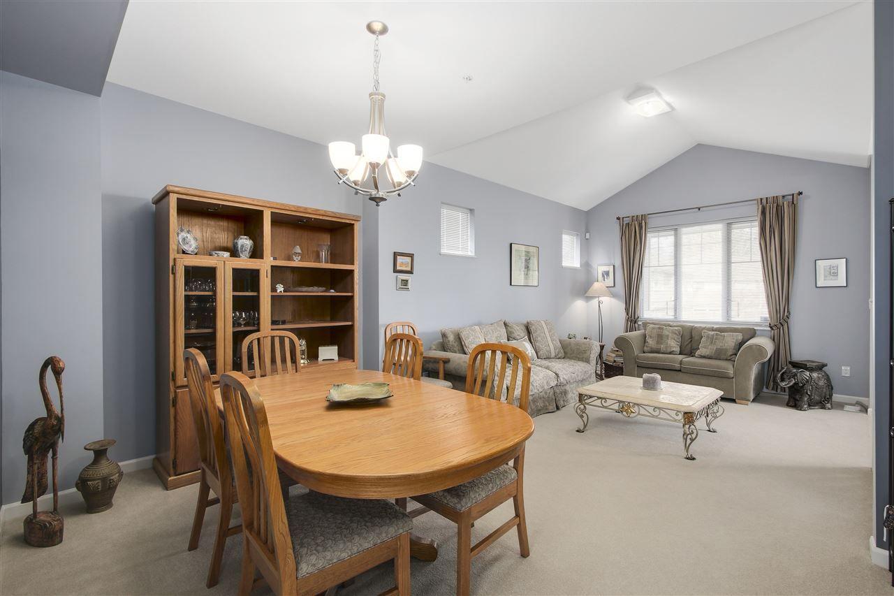 "Photo 3: Photos: 24110 HAWKINS Avenue in Maple Ridge: Albion House for sale in ""MAINSTONE CREEK"" : MLS®# R2140724"
