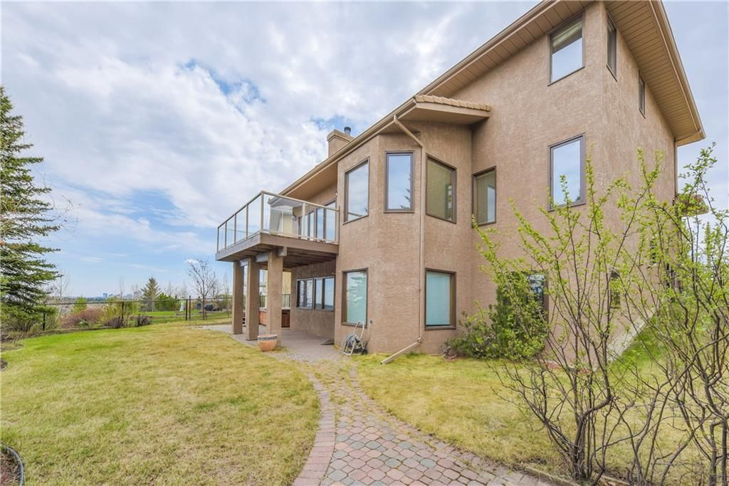 Photo 36: Photos: 2603 SIGNAL RIDGE View SW in Calgary: Signal Hill House for sale : MLS®# C4177922
