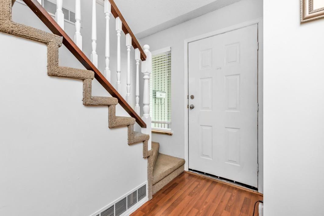 "Photo 4: Photos: 11891 CHERRINGTON Place in Maple Ridge: West Central House for sale in ""WEST MAPLE RIDGE"" : MLS®# R2600511"