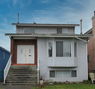 Photo 1: 3088 E 6TH Avenue in Vancouver: Renfrew VE House for sale (Vancouver East)  : MLS®# R2524284