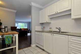 """Photo 11: 104 1378 GEORGE Street: White Rock Condo for sale in """"FRANKLIN PLACE"""" (South Surrey White Rock)  : MLS®# R2371327"""