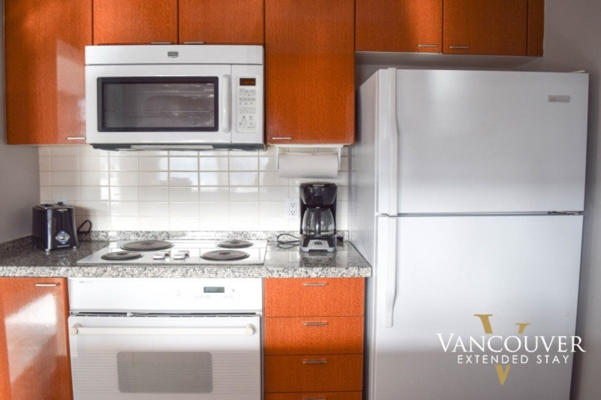"""Photo 6: Photos: 601 1200 ALBERNI Street in Vancouver: West End VW Condo for sale in """"THE PALISADES"""" (Vancouver West)  : MLS®# R2410419"""
