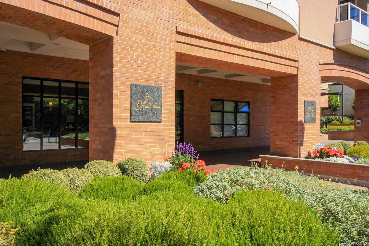 Main Photo: 208 930 Yates St in : Vi Downtown Condo for sale (Victoria)  : MLS®# 859765