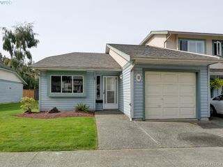 Photo 1: 11 515 Mount View Ave in VICTORIA: Co Hatley Park Row/Townhouse for sale (Colwood)  : MLS®# 824724