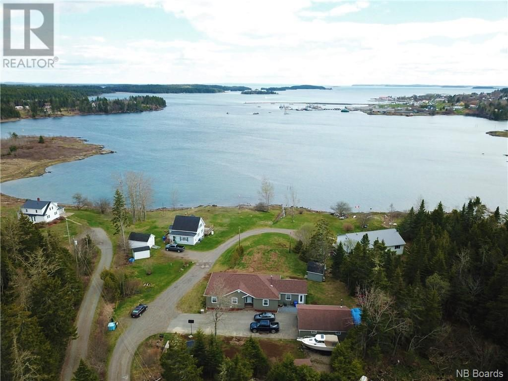 Main Photo: 16 Stanley Oliver Road in Back Bay: House for sale : MLS®# NB057925