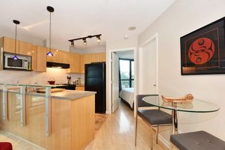 """Photo 7: 402 501 PACIFIC Street in Vancouver: Downtown VW Condo for sale in """"THE 501"""" (Vancouver West)  : MLS®# R2212611"""