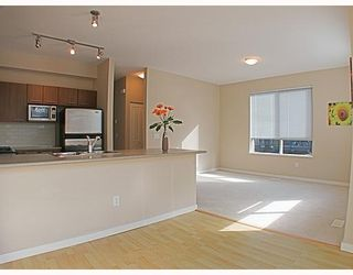 "Photo 7: 26 100 KLAHANIE Drive in Port_Moody: Port Moody Centre Townhouse for sale in ""INDIGO"" (Port Moody)  : MLS®# V756989"
