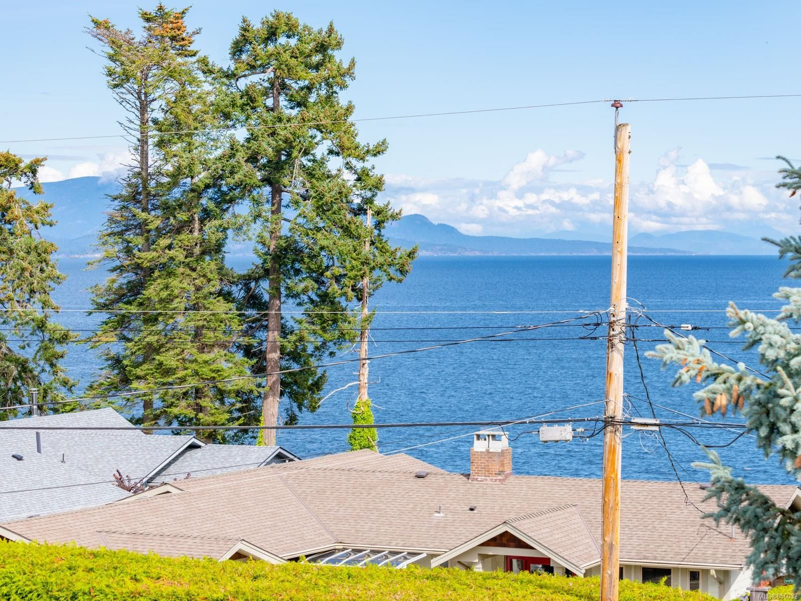 Main Photo: 1383 Reef Rd in : PQ Nanoose House for sale (Parksville/Qualicum)  : MLS®# 856032