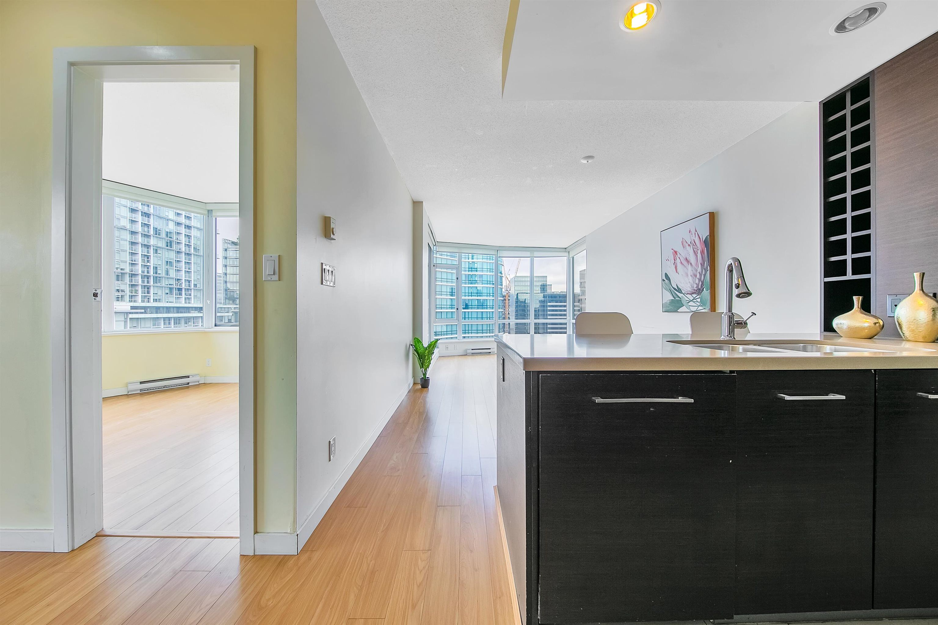"""Photo 19: Photos: 2302 833 HOMER Street in Vancouver: Downtown VW Condo for sale in """"Atelier"""" (Vancouver West)  : MLS®# R2615820"""
