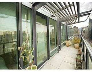 """Photo 2: 1003 BURNABY Street in Vancouver: West End VW Condo for sale in """"MILANO"""" (Vancouver West)  : MLS®# V620406"""