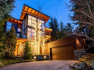 Photo 1: 6327 FAIRWAY Drive in Whistler: Whistler Cay Heights House for sale : MLS®# R2613500