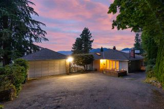 """Photo 10: 301 N HYTHE Avenue in Burnaby: Capitol Hill BN House for sale in """"CAPITOL HILL"""" (Burnaby North)  : MLS®# R2531896"""