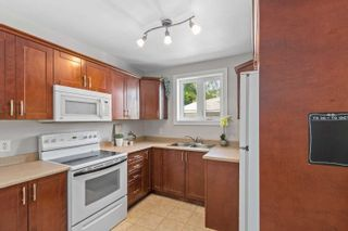 Photo 8: 56 Burcher Rd Road in Ajax: South East House (Bungalow) for sale : MLS®# E5351230