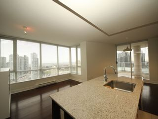 """Photo 2: 2908 4808 HAZEL Street in Burnaby: Forest Glen BS Condo for sale in """"Centrepoint"""" (Burnaby South)  : MLS®# R2329613"""