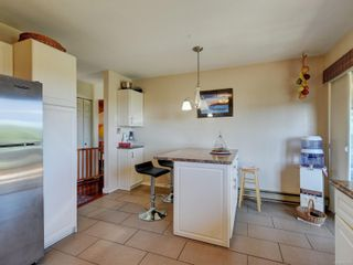 Photo 8: 4113 Mariposa Hts in : SW Strawberry Vale House for sale (Saanich West)  : MLS®# 854101