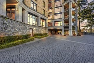 Photo 3: 111 845 Dunsmuir Rd in : Es Old Esquimalt Condo for sale (Esquimalt)  : MLS®# 866837