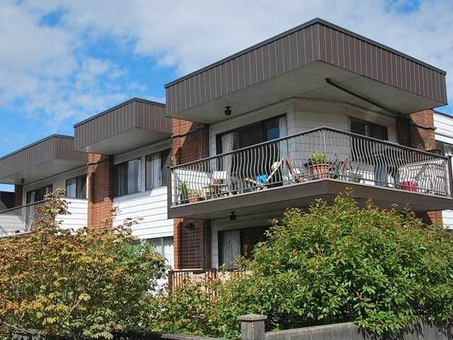"""Photo 2: Photos: 225 2033 TRIUMPH Street in Vancouver: Hastings Condo for sale in """"MCKENZIE HOUSE"""" (Vancouver East)  : MLS®# V1026314"""