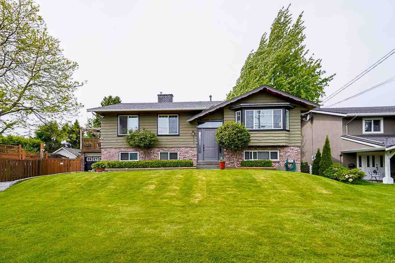 Main Photo: 5391 Crescent Drive in Ladner: Hawthorne House for sale : MLS®# R2582738