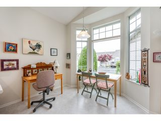 """Photo 11: 98 9012 WALNUT GROVE Drive in Langley: Walnut Grove Townhouse for sale in """"Queen Anne Green"""" : MLS®# R2456444"""