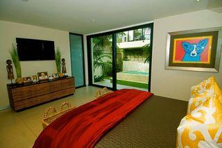 Photo 6: LA JOLLA House for sale : 3 bedrooms : 5647 Chelsea Avenue