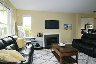 """Photo 3: 8 11176 GILKER HILL Road in Maple Ridge: Cottonwood MR Townhouse for sale in """"BLUETREE"""" : MLS®# R2195657"""