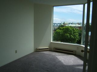 """Photo 5: 402 1065 QUAYSIDE Drive in New Westminster: Quay Condo for sale in """"QUAYSIDE TOWER II"""" : MLS®# V1008499"""