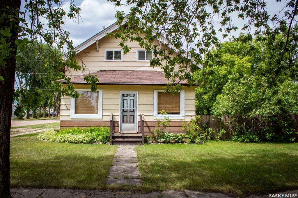 Main Photo: 229 4th Street in Star City: Residential for sale : MLS®# SK850321