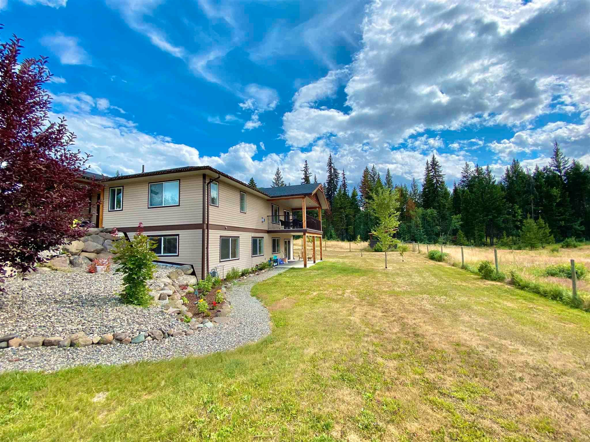 Main Photo: 3136 PIGEON Road in Williams Lake: 150 Mile House House for sale (Williams Lake (Zone 27))  : MLS®# R2604886