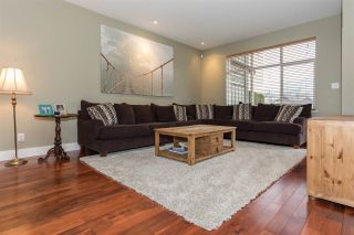 Photo 3: 39745 GOVERNMENT Road in Squamish: Northyards 1/2 Duplex for sale : MLS®# R2225663