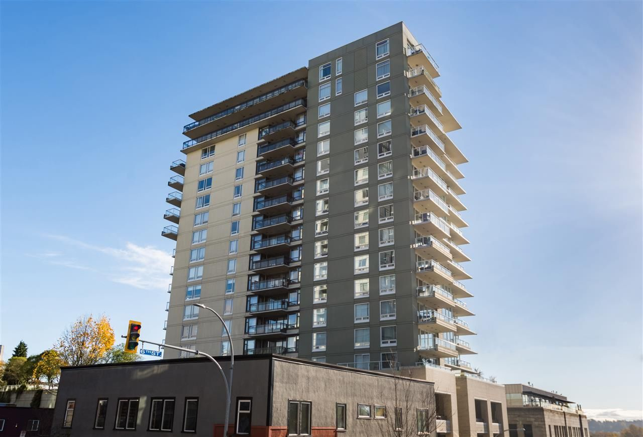 """Main Photo: 1107 39 SIXTH Street in New Westminster: Downtown NW Condo for sale in """"QUANTUM"""" : MLS®# R2371765"""