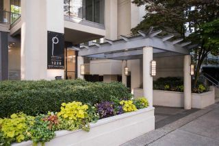"""Photo 4: 1004 1228 W HASTINGS Street in Vancouver: Coal Harbour Condo for sale in """"Palladio"""" (Vancouver West)  : MLS®# R2578006"""