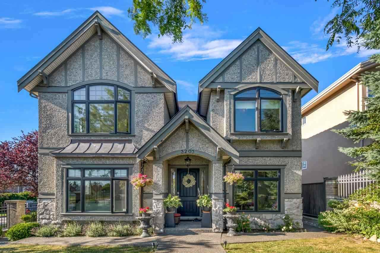 Main Photo: 3203 E 24TH Avenue in Vancouver: Renfrew Heights House for sale (Vancouver East)  : MLS®# R2508172