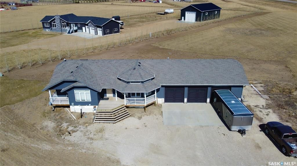 Main Photo: 101 Warkentin Road in Swift Current: Residential for sale (Swift Current Rm No. 137)  : MLS®# SK834553