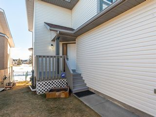 Photo 2: 1120 HIGH GLEN Place NW: High River Semi Detached for sale : MLS®# A1063184