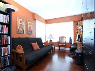 "Photo 6: 204 15070 PROSPECT Avenue: White Rock Condo for sale in ""LOS ARCOS"" (South Surrey White Rock)  : MLS®# F1434056"