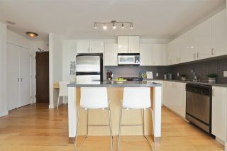 """Photo 16: 604 155 W 1ST Street in North Vancouver: Lower Lonsdale Condo for sale in """"TIME"""" : MLS®# R2335827"""