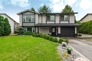 Photo 1: 19368 62A Avenue in Surrey: Clayton House for sale (Cloverdale)  : MLS®# R2204704