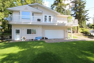 Photo 1: 7685 Golf Course Road in Anglemont: North Shuswap House for sale (Shuswap)  : MLS®# 10110438