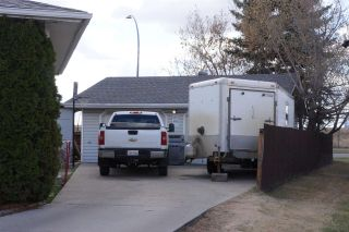 Photo 29: 218 HOMESTEAD Crescent in Edmonton: Zone 35 House for sale : MLS®# E4242279