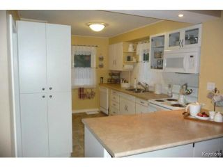 Photo 4: 380 Oakdale Drive in WINNIPEG: Charleswood Residential for sale (South Winnipeg)  : MLS®# 1424260