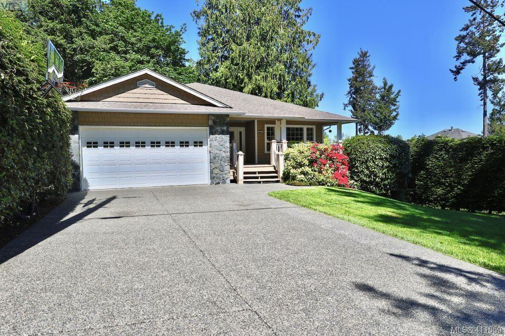 Main Photo: 2180 Ridgedown Pl in SAANICHTON: CS Saanichton House for sale (Central Saanich)  : MLS®# 814808